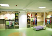 幼儿园园服、幼儿园床具展厅