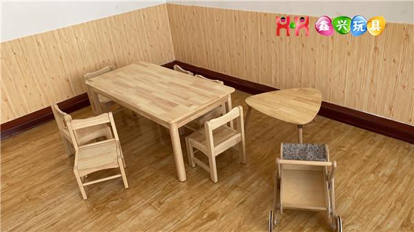 幼儿园实木桌椅