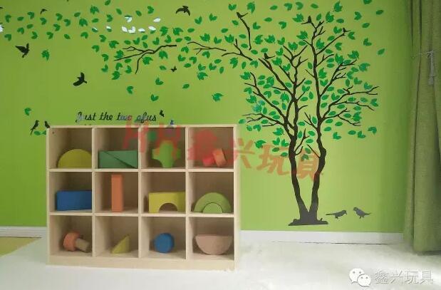 12洞玩具柜