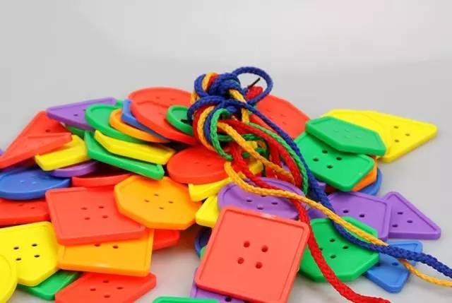 几何串线玩具