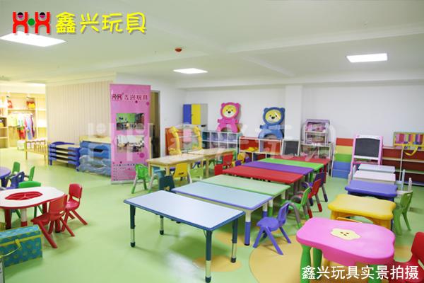 幼儿桌椅组合
