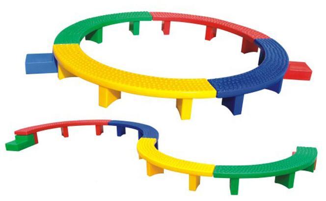 塑料S型独木桥.jpg