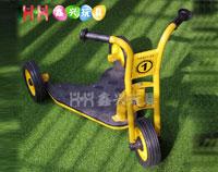 儿童三轮滑板车