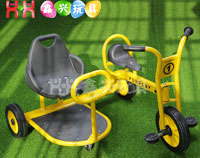 带侧坐车儿童三轮车